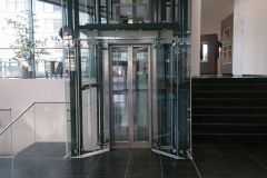 Stalen liftschacht (2)